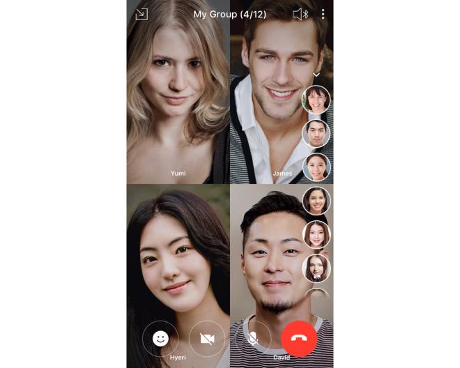 (3) グループ通話のメンバーが電話に参加するごとに、相手の顔が画面上に表示されます。